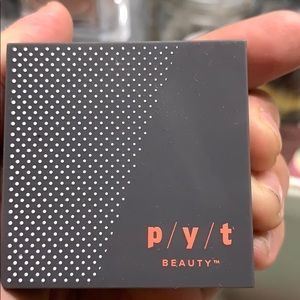 P/Y/T beauty highlighter